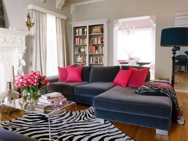 3 Beautiful-living-room-with-zebra-patterned-carpet.jpg