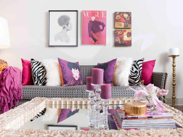 4 HSTAR7_Hilari-Younger-Pink-White-Modern-Traditional-Living-Room-Close_s4x3.jpg.rend.hgtvcom.616.462.jpeg