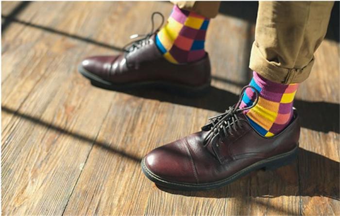 彩袜 深秋中一抹亮色