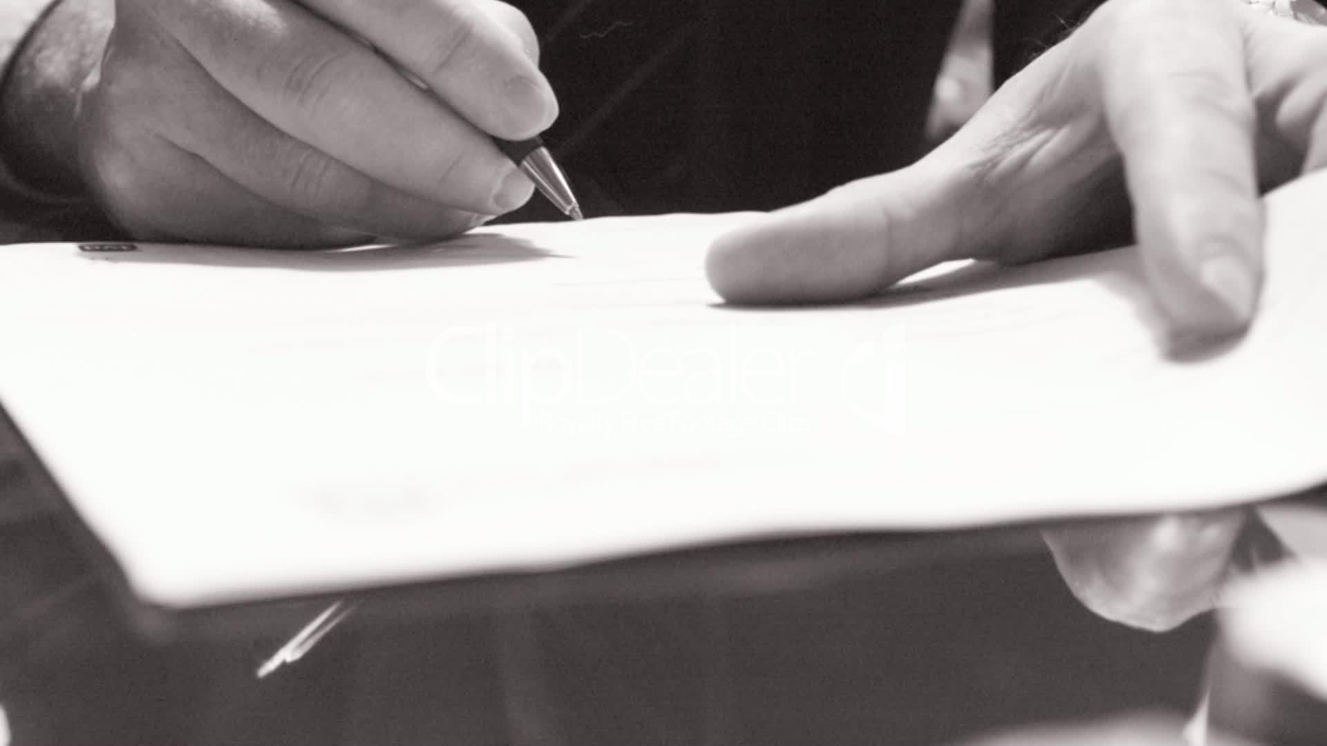 既是商务精英 哪能少一支钢笔?