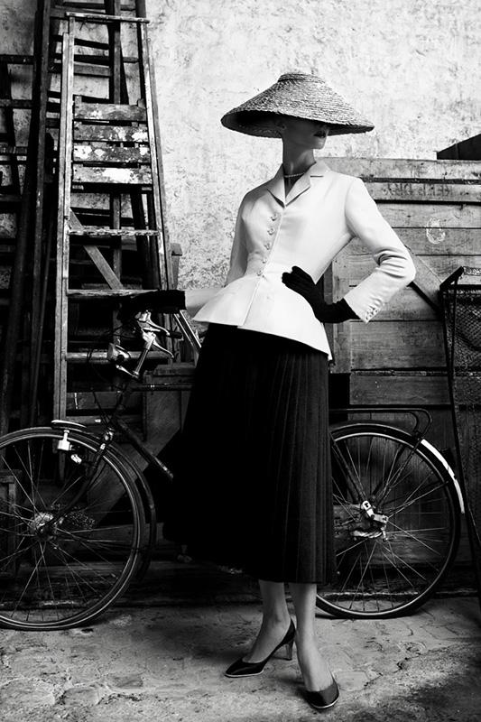 经典的演化:从1947年到现在的Dior 经典外套Bar Jacket