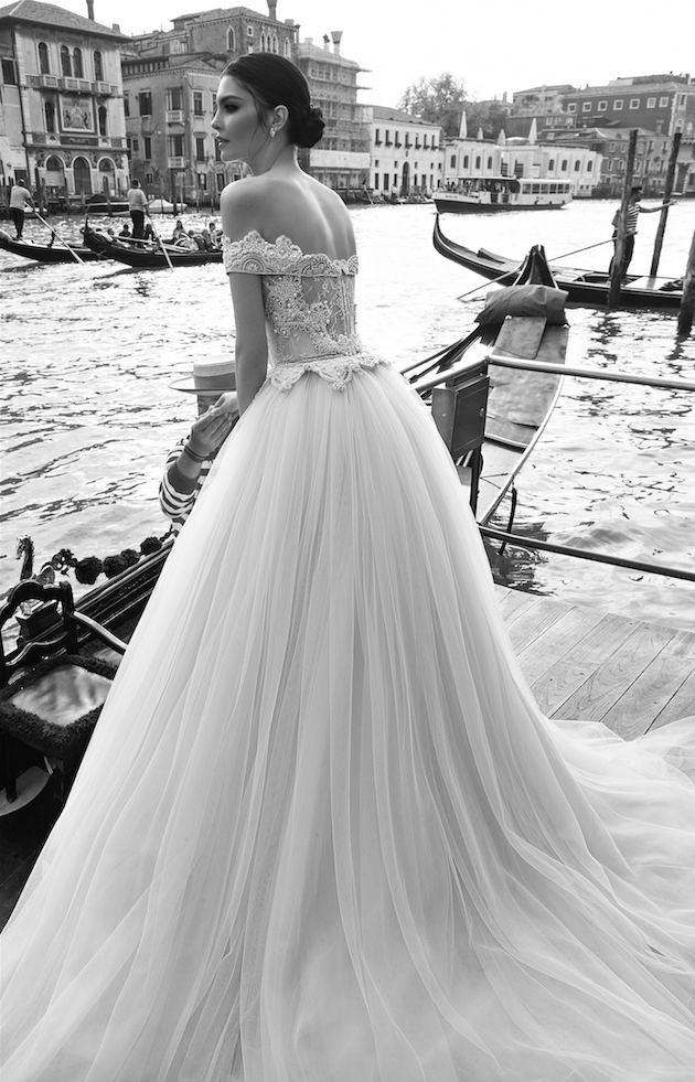穿上最美的婚纱说I DO