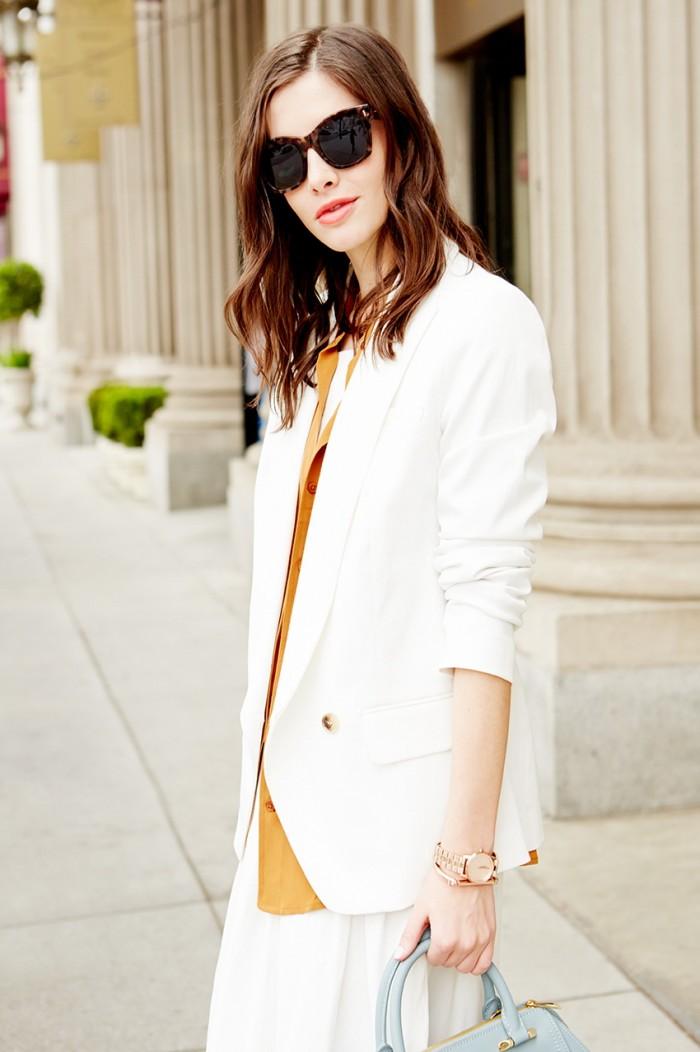 白色西装玩转秋日时尚